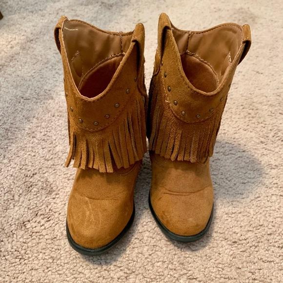 OshKosh B'gosh Other - Fringe brown boots for infant/toddler